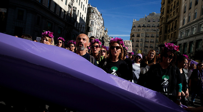 Stop 'machista' violence: Tens of thousands incl Podemos, FEMEN protest domestic violence in Madrid