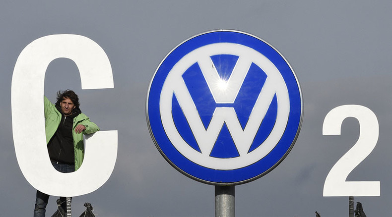 VW offers US customers $1000 to regain trust