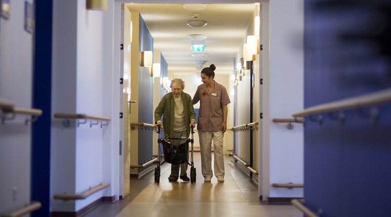 37,000 beds in British care homes cut by 2020 – report