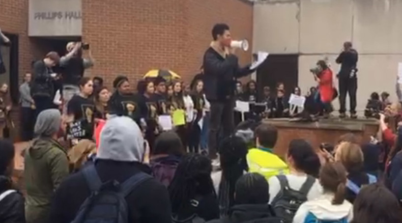 Ithaca College students stage walkout in solidarity with University of Missouri