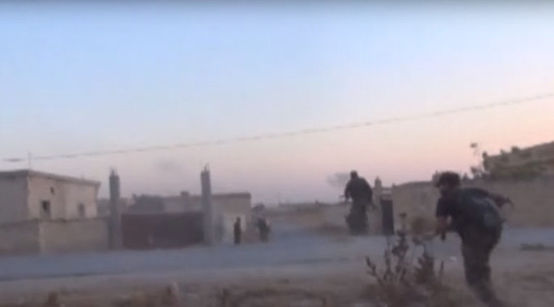 Battle to break ISIS siege of Kweires airbase caught on camera (GRAPHIC VIDEO)