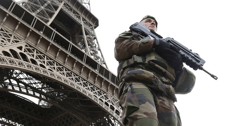 Paris faces tourism slowdown after attacks