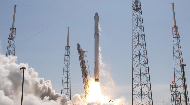 Commercial space industry avoids regulation until 2023 once Obama signs new bill