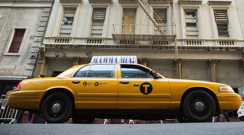 'Taxicab graveyards': Cab owners, credit unions sue NYC over Uber expansion