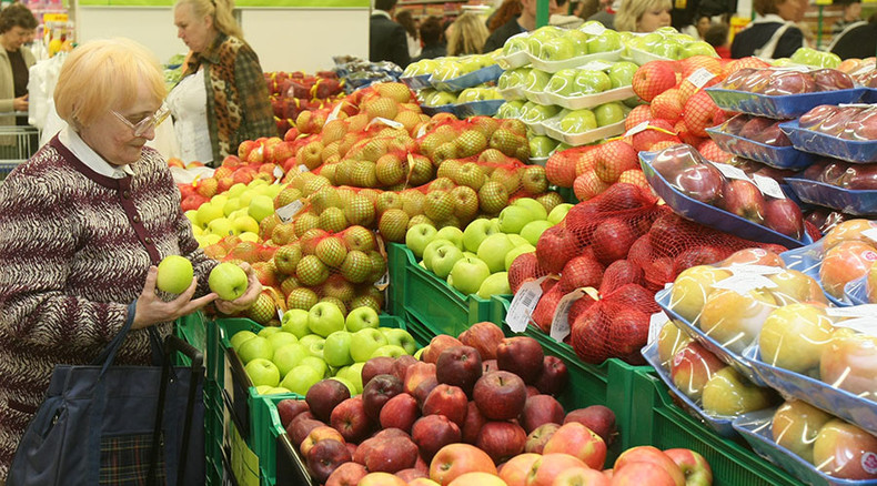 Russia bans food imports from Ukraine