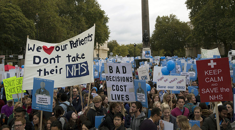 Junior doctors win 'resounding mandate' for strike action against 'unsafe' contracts