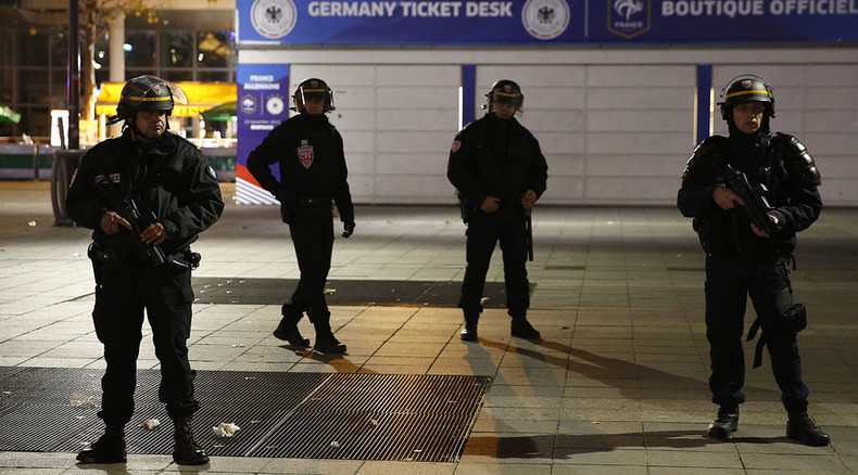 Two Paris suicide bombers came through Greece – prosecutor