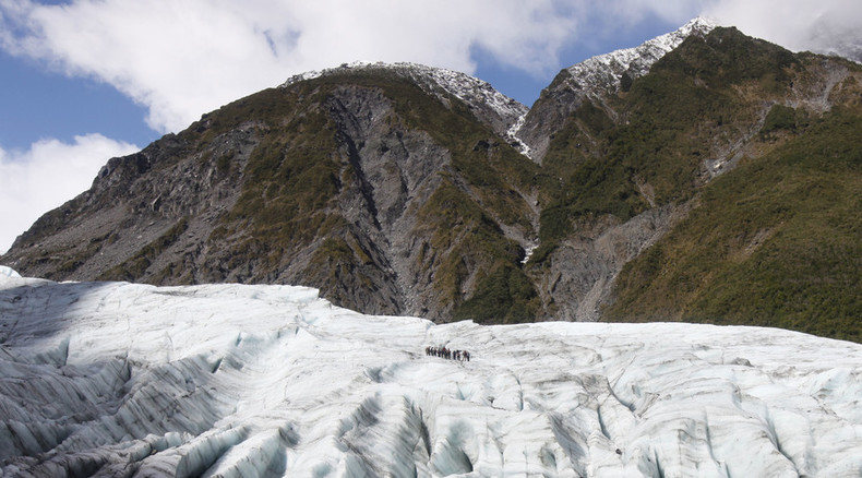 7 dead in helicopter crash on New Zealand glacier – police