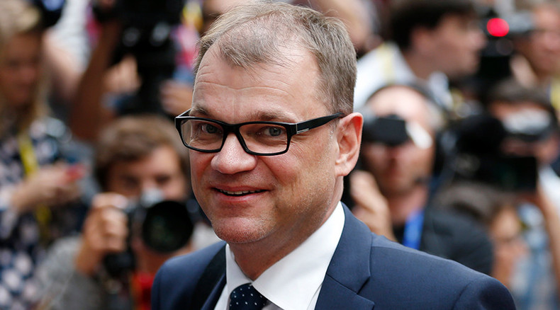 Toilet cabinet: Finnish PM forced to fly… in plane's WC
