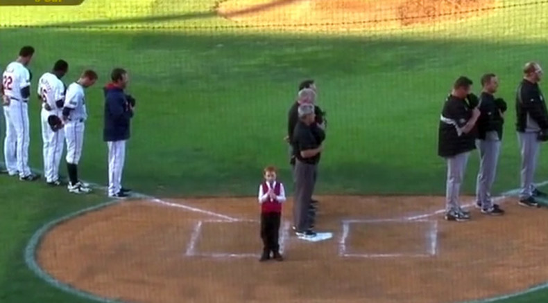 Even epic hiccups can't stop this kid from singing Aussie anthem (VIDEO)