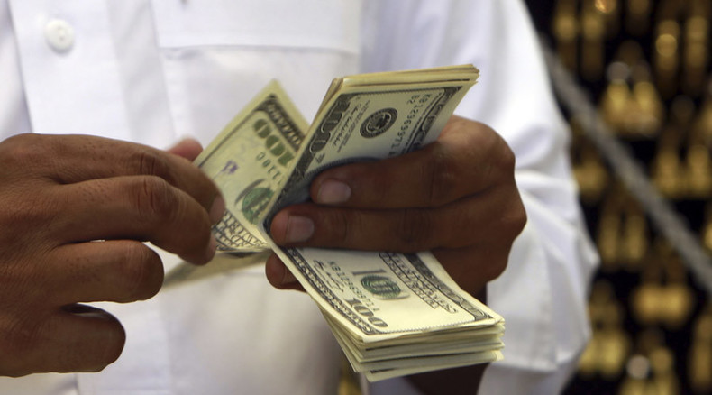 Keeping the wealth: Income inequality makes rich people stingier, study says