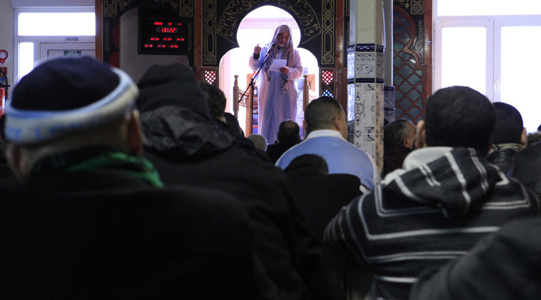 'License to preach': Major French Muslim group calls for imams to have permits
