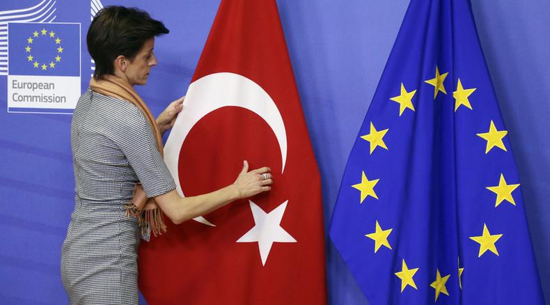 Turkey to help EU stem migrant crisis for €3bn and membership talks