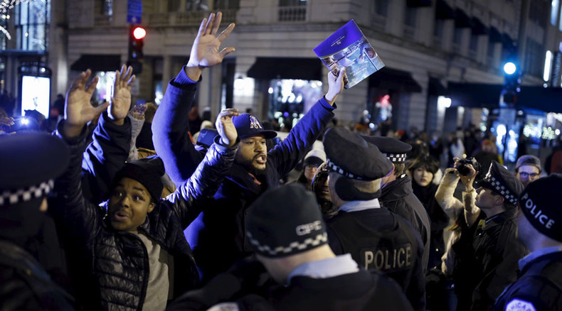 Protesters return to the streets over police shooting death of Laquan McDonald
