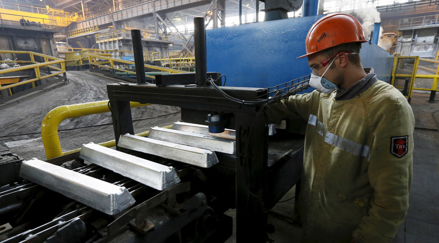 Russian manufacturing resurges in October