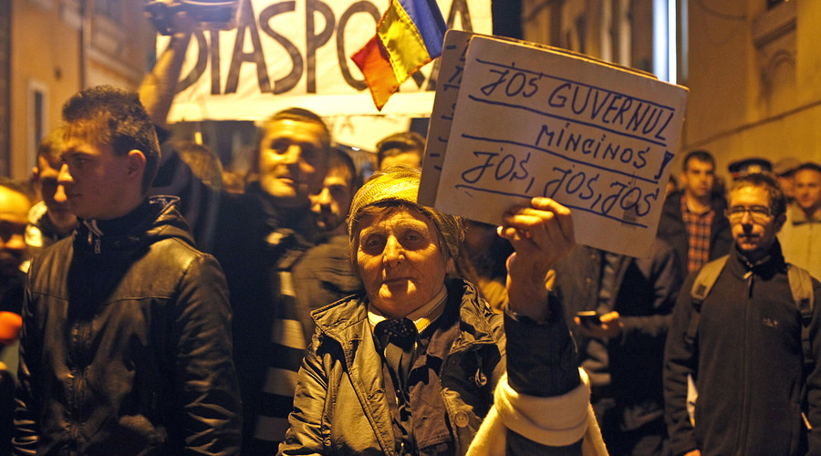 Romanian govt resigns amid protests over deadly nightclub blaze