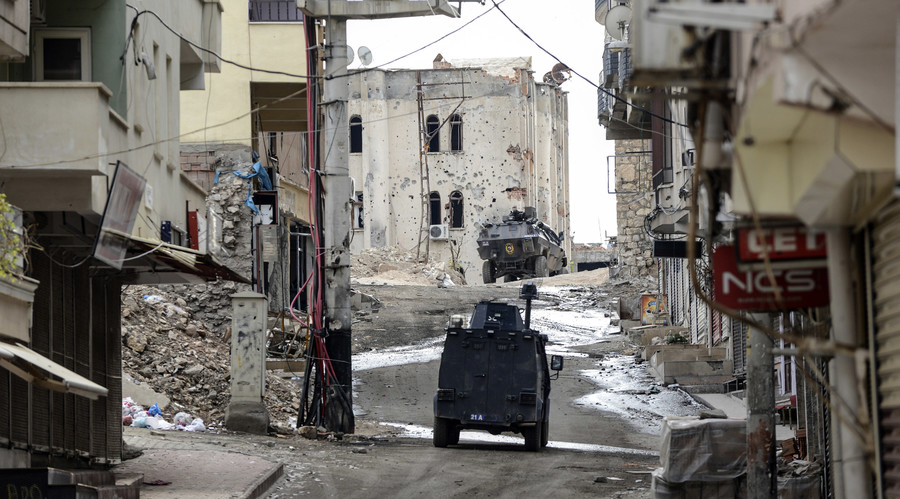 'Erasing from map'? Scenes of destruction as Turkish military besiege Kurdish town of Silvan (VIDEO)