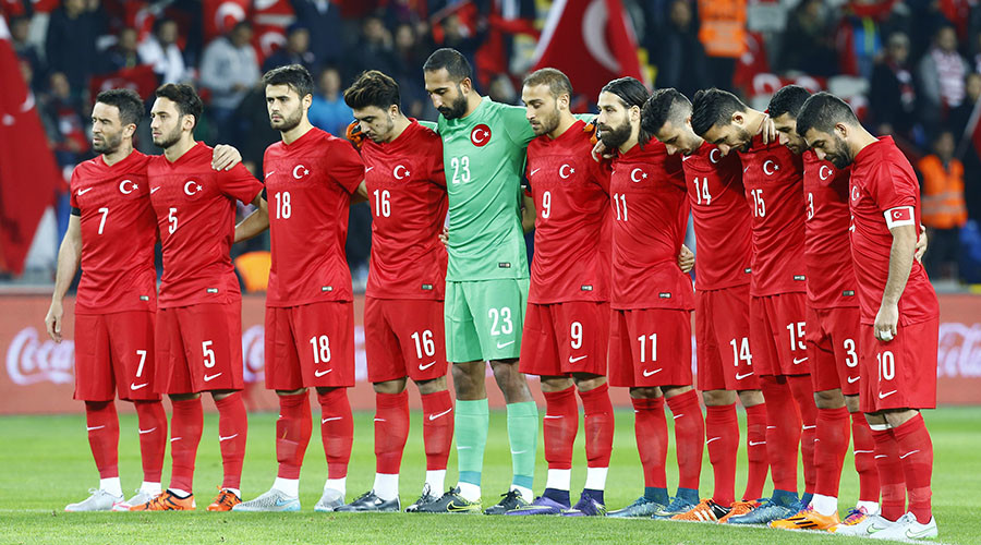 Turkey fans boo during moment of silence for Paris victims (VIDEO)