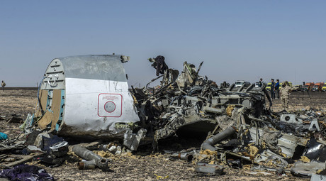 Debris of the A321 Russian airliner lie on the ground a day after the plane crashed in Wadi al-Zolomat, a mountainous area in Egypt's Sinai Peninsula, on November 1, 2015. © Khaled Desouki