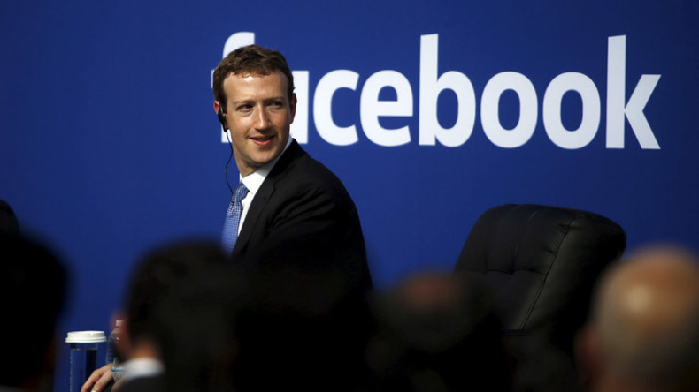 Facebook creator marks daughter's birth by pledging $45 billion to charity
