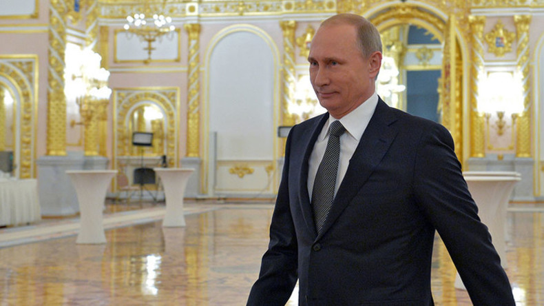 Most Russians want Putin to remain president after 2018 – poll