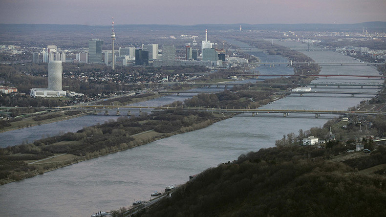 Police fish out €100,000 in cash floating down Danube