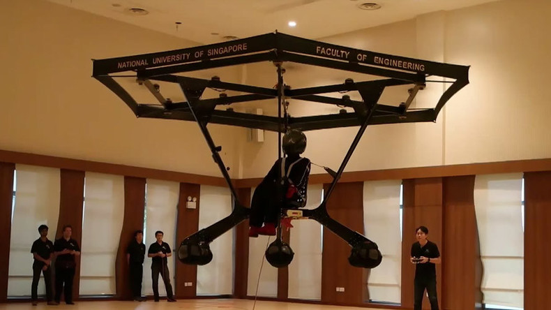 Singapore students build first personal flying machine (VIDEO)