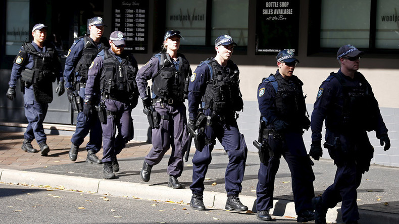 15yo among two arrested, charged in Sydney counter-terrorism raids (VIDEO)