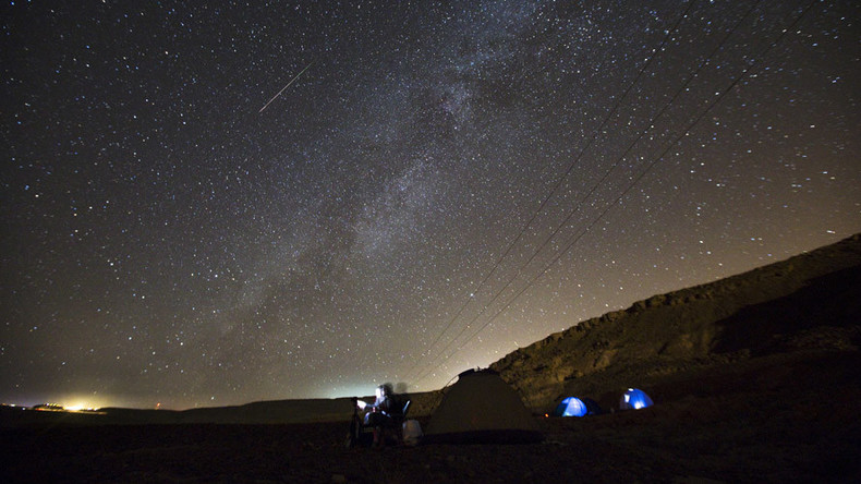 Shooting stars: Geminid meteor shower lights up December sky this weekend