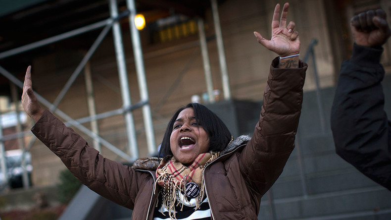 Daughter of NYPD chokehold victim Eric Garner mulls bid for Congress