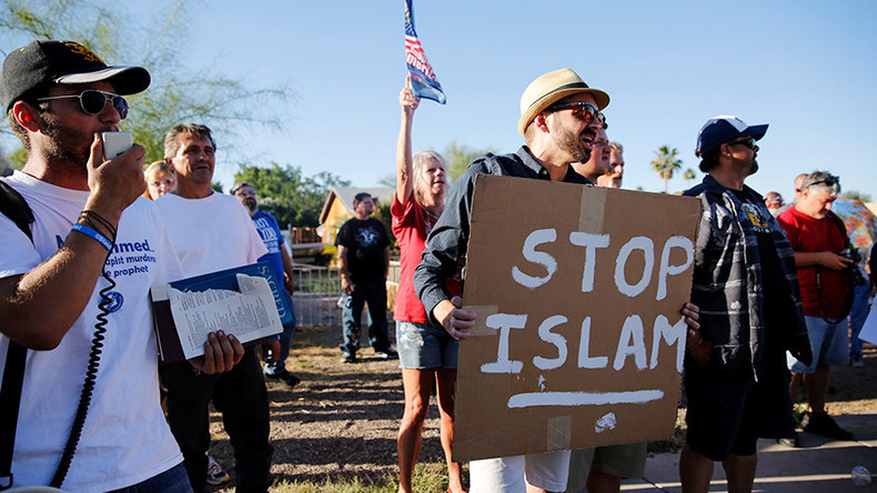 7 days of shame: Wave of islamophobic attacks follow San-Bernardino massacre