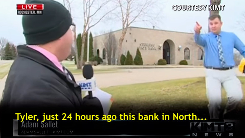 'It's déjà vu all over again': Robber returns during live TV report to rob bank again