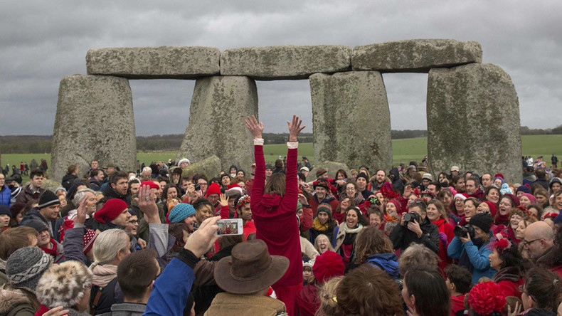 Druids and pagans gather at Stonehenge for solstice (PHOTOS, VIDEO)