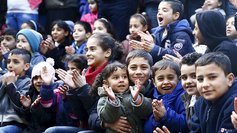 Germany recruits army of 8,500 language teachers for 200,000 refugee children