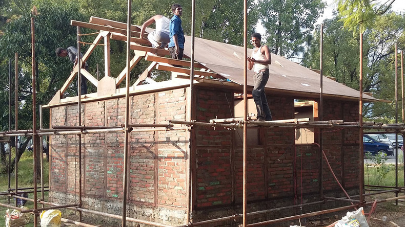 Nepal rebuilds with quake-proof Japanese designs