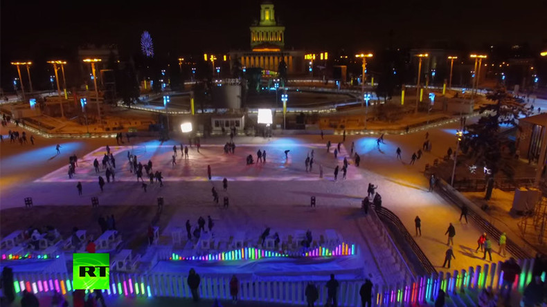 Winter wonder: RT drone films Europe's largest skating rink in Moscow (VIDEO)