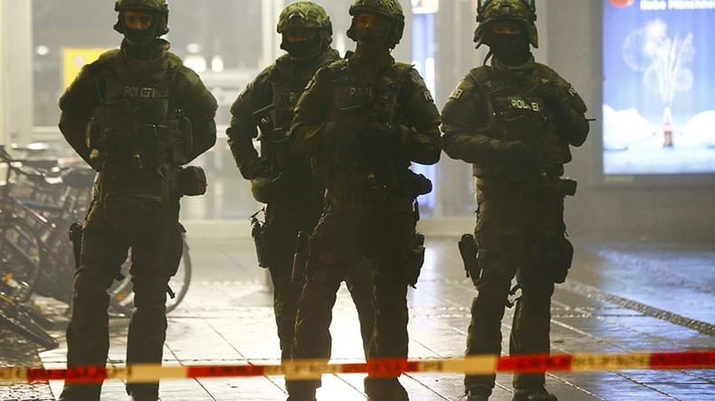 German police evacuate 2 train stations in Munich, warn public over ISIS suicide attack threat