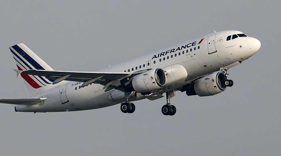 Air France flight from San Francisco to Paris diverted to Montreal after bomb threat (VIDEO)