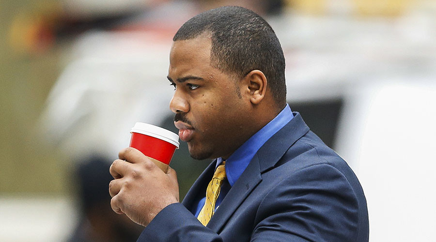 Mistrial: Hung jury in first Freddie Gray case