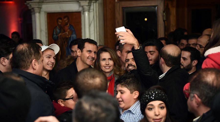 Assad makes surprise Christmas visit to Damascus church (PHOTOS)