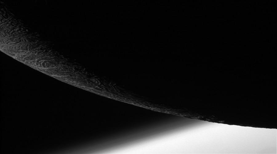 'Sadness & triumph': Cassini spacecraft's last close flyby of Saturn moon Enceladus (PHOTOS)