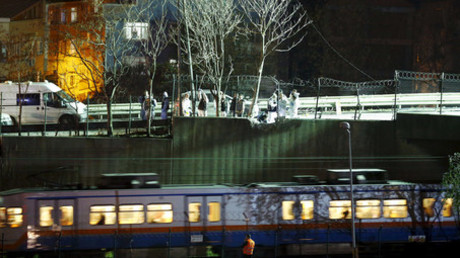 Fears bomb behind blast near Istanbul subway