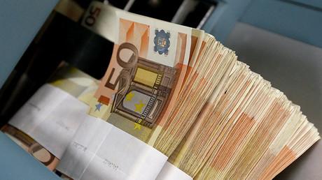 Finns could receive €800 as basic monthly income