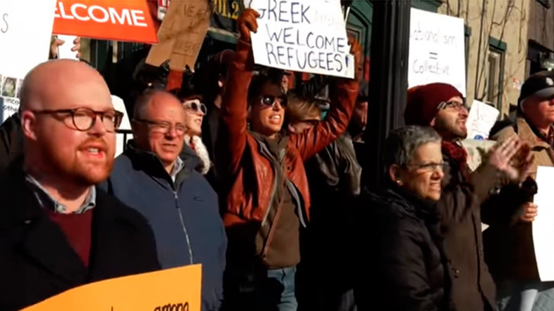 Opposing rallies face off in Pennsylvania over arrival of Syrian refugees (VIDEO)
