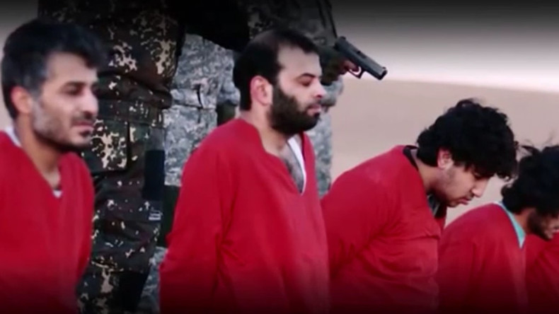 'Message to David Cameron': ISIS executes 5 'UK spies' in new graphic video