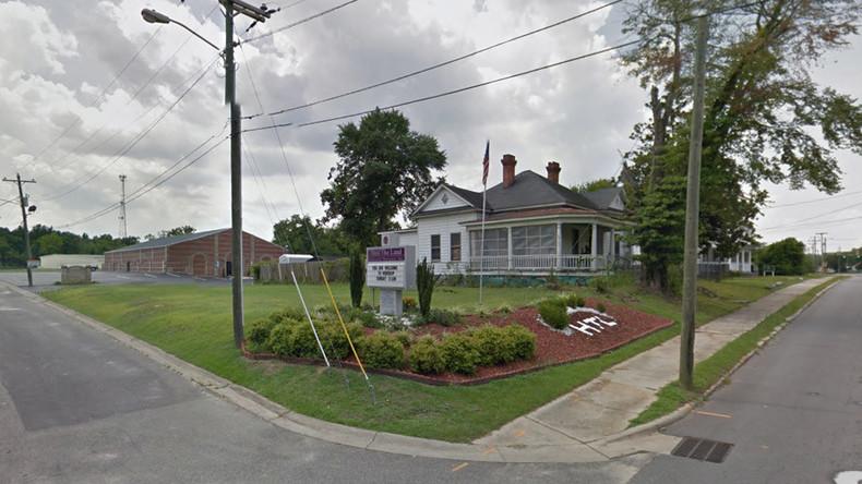 'God stepped in': Pastor disarms gunman in church