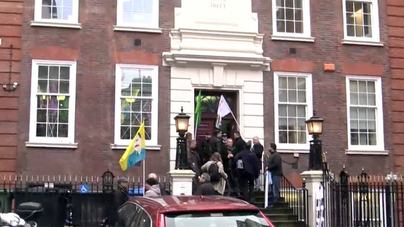 Kurdish protesters occupy Conservative Campaign HQ in London (VIDEO)