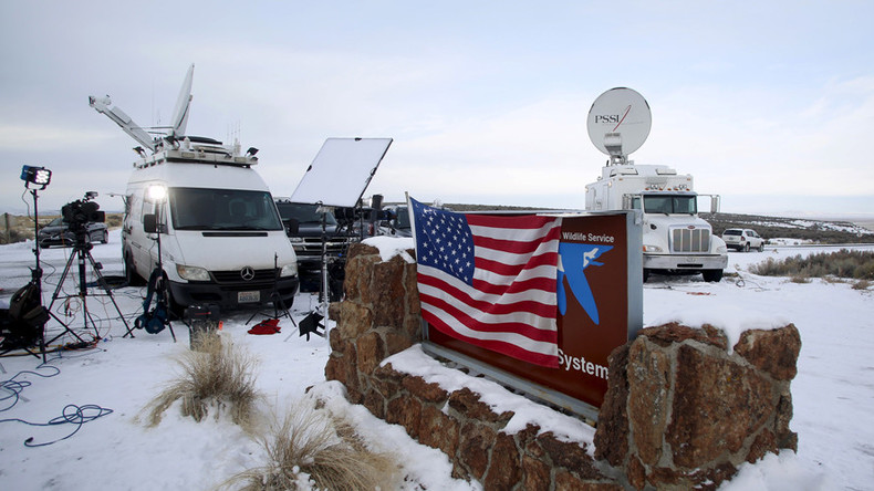 For the birds: Oregon standoff pits feds against rural Americans