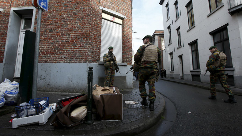 Explosives, fingerprint of Paris attacks suspect found in Brussels raid – Belgian prosecutors