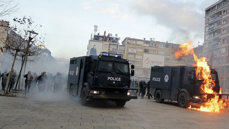 Protesters set Kosovo govt HQ on fire over deal with Serbia